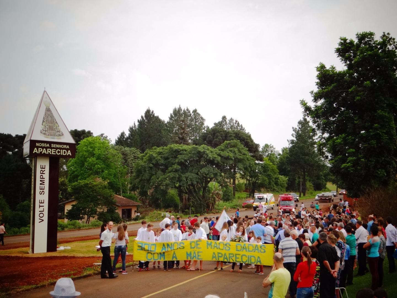 Romaria de Nossa Senhora Aparecida reúne grande número de devotos
