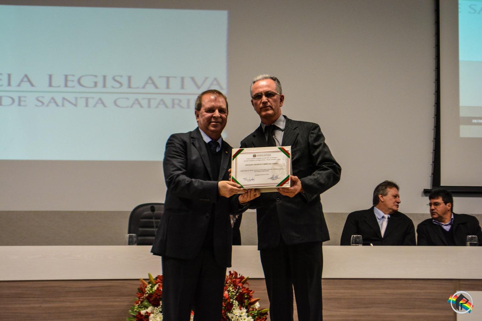 Abasmo é homenageada pela Assembleia Legislativa de Santa Catarina