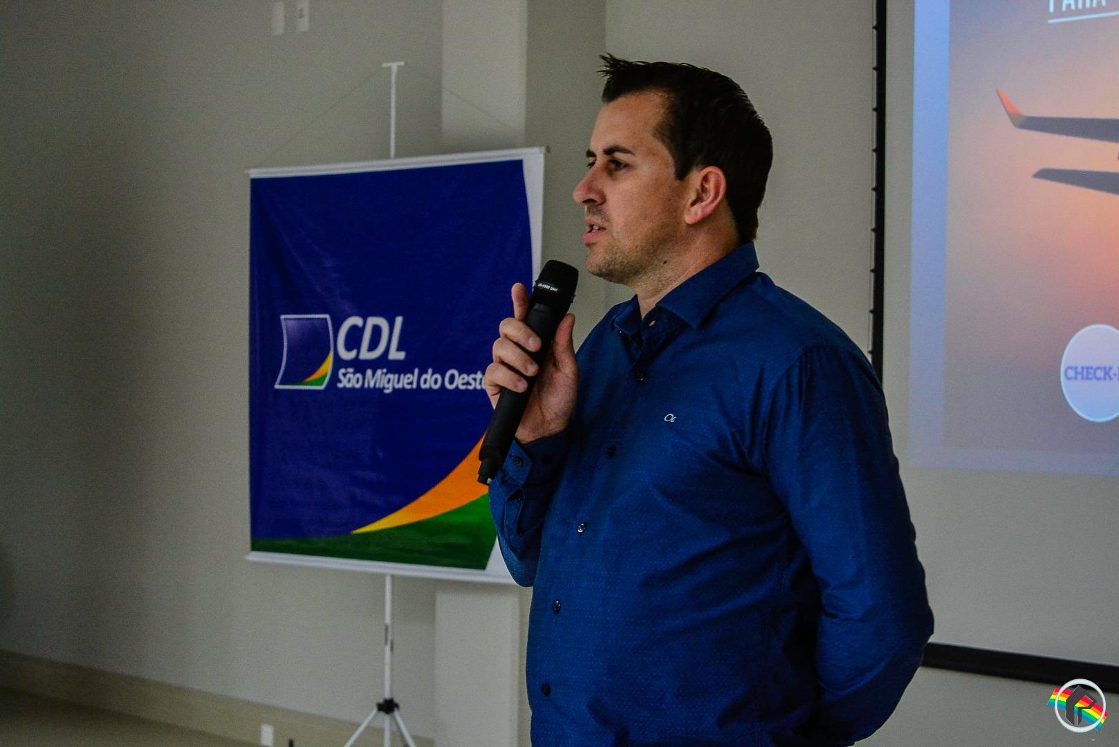 CDL realiza palestra com o tema Liderança e Competitividade