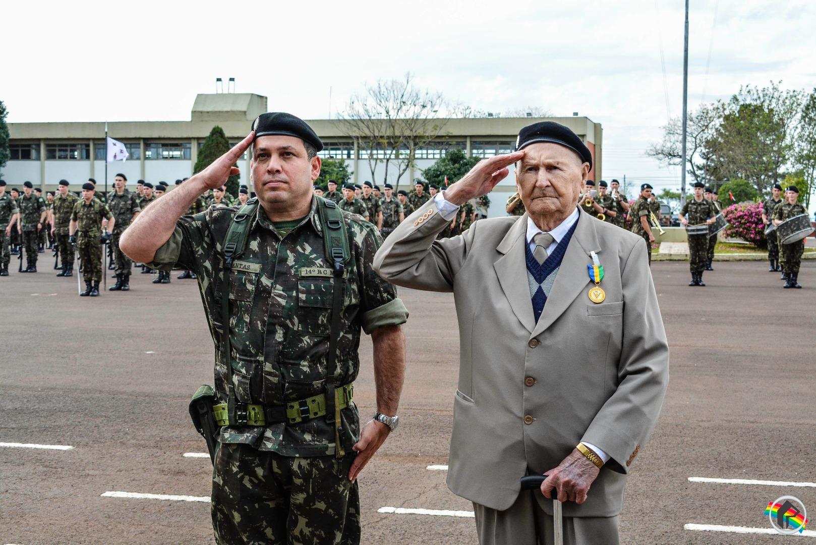 14º RCMec realiza formatura alusiva ao Dia do Soldado