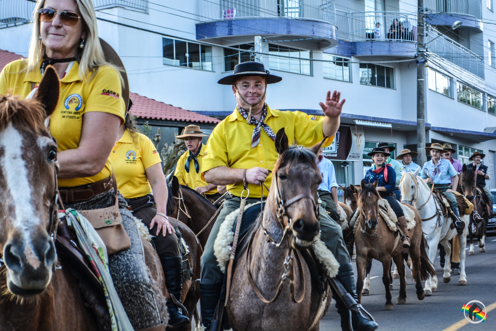 Cavalgada em homenagem ao Dia do Gaúcho ocorre no município