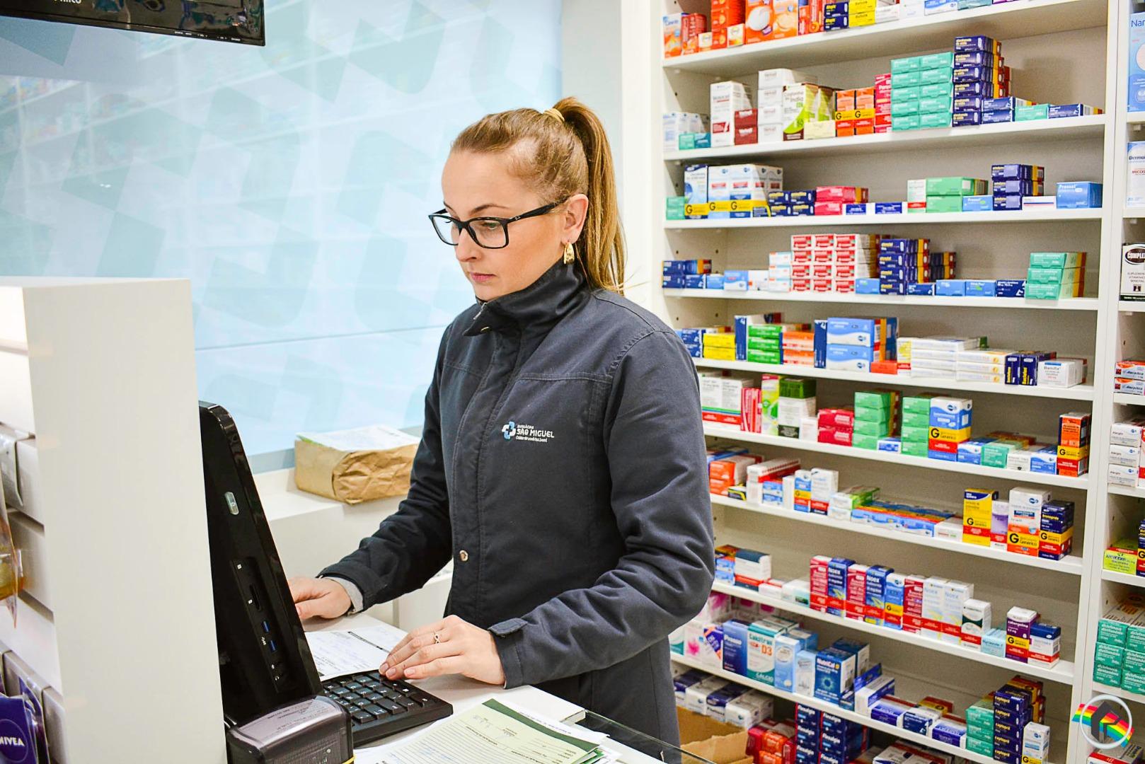 Farmácias São Miguel inauguram filial na Waldemar Rangrab