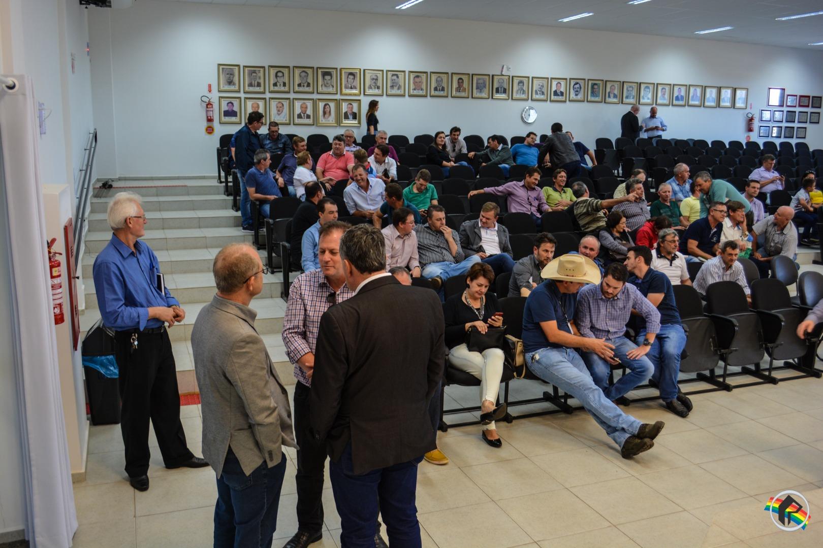 Prefeitos pedem laboratório do leite ao Ministro da Agricultura