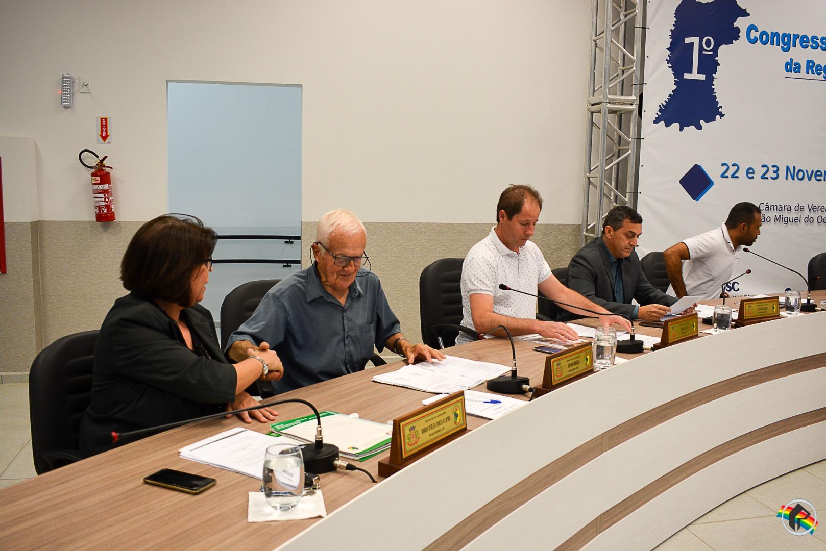 Vereadores pedem a manutenção de Adriano Bini como delegado regional