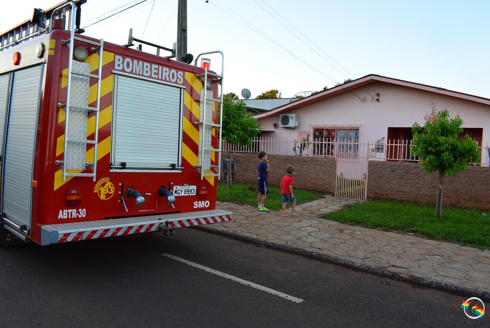 Princípio de incêndio em forno elétrico movimenta bombeiros