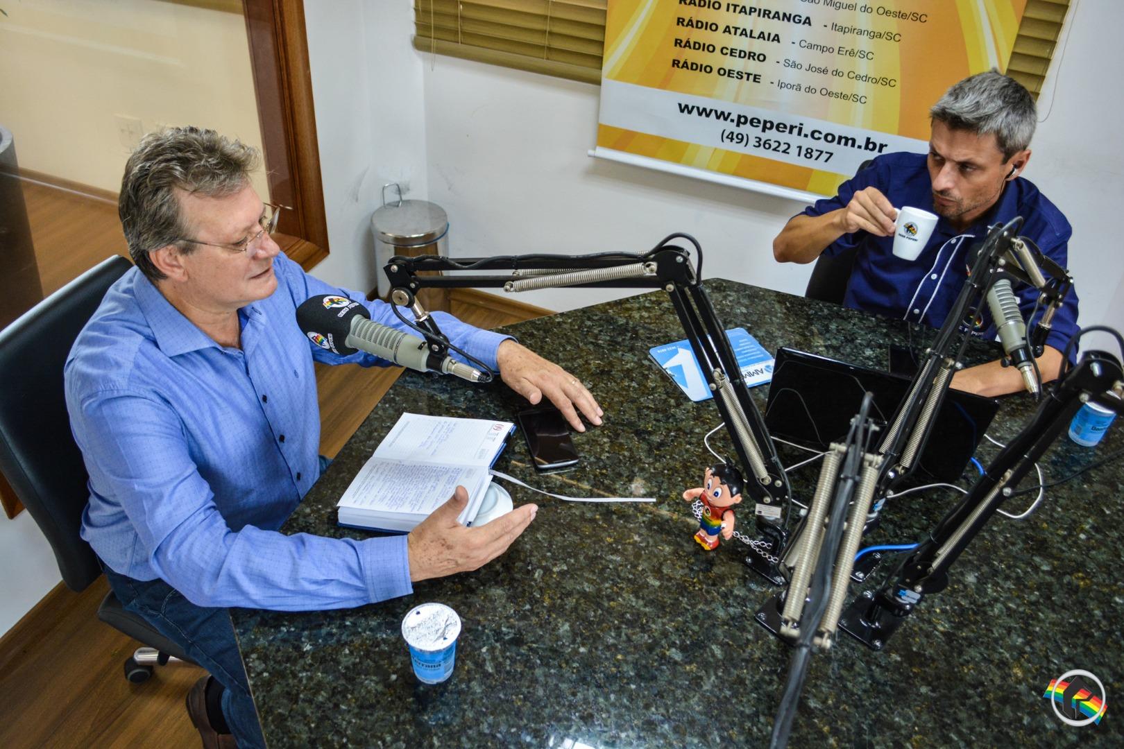 Peperi recebe o prefeito em exercício Claudio Barp