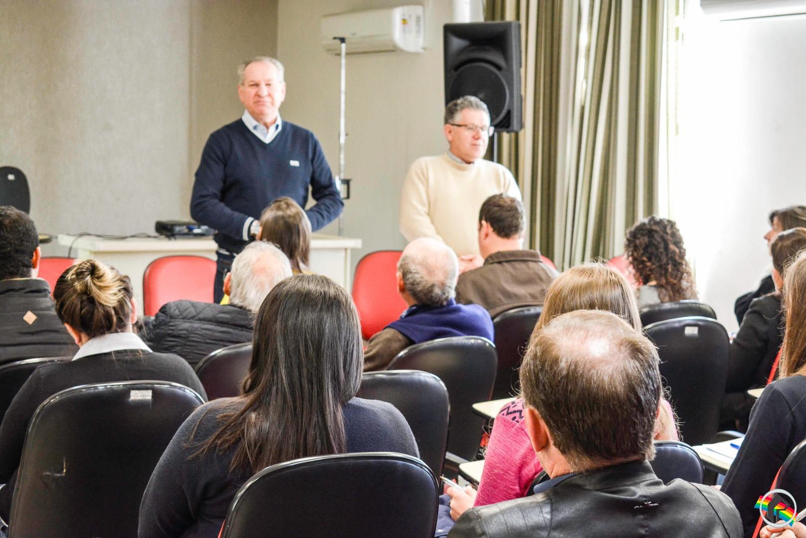 Administração realiza reunião com contadores sobre Nota Fiscal Eletrônica