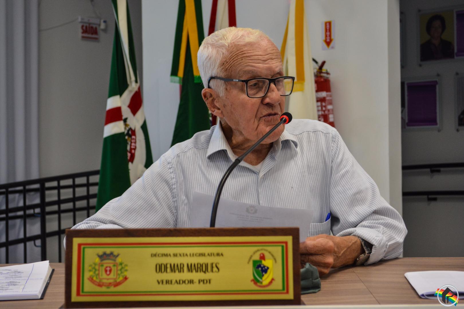 Vereador pede a identificação do transporte coletivo nos abrigos de passageiros