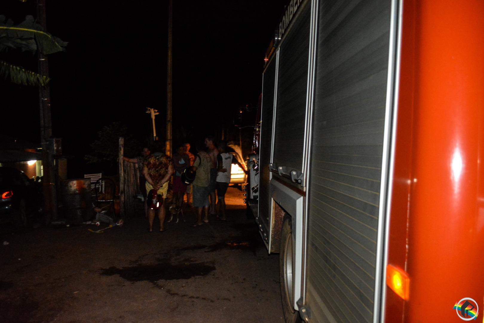 Incêndio atinge residência no interior de São Miguel do Oeste