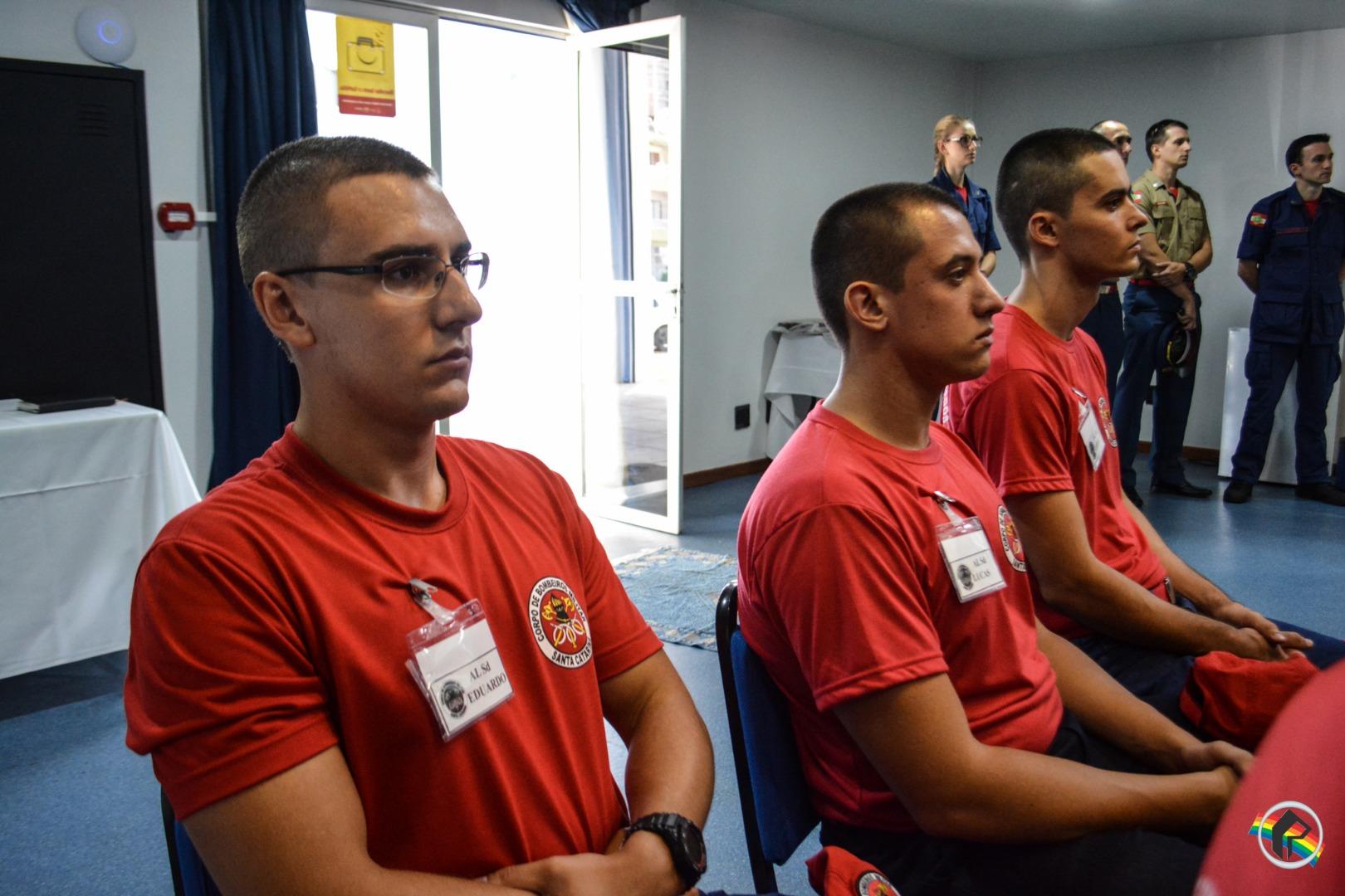 Novos alunos soldados do Corpo de Bombeiros são apresentados