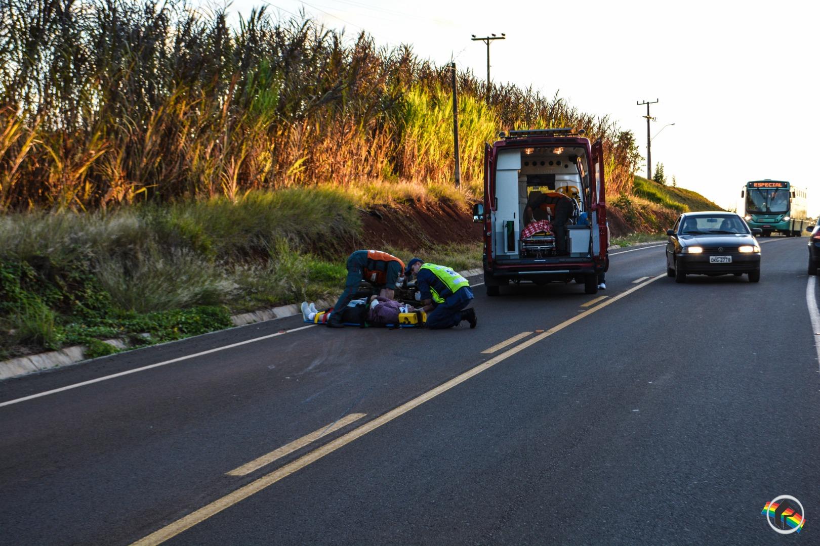 Duas mulheres ficam feridas ao cair de moto em São Miguel do Oeste