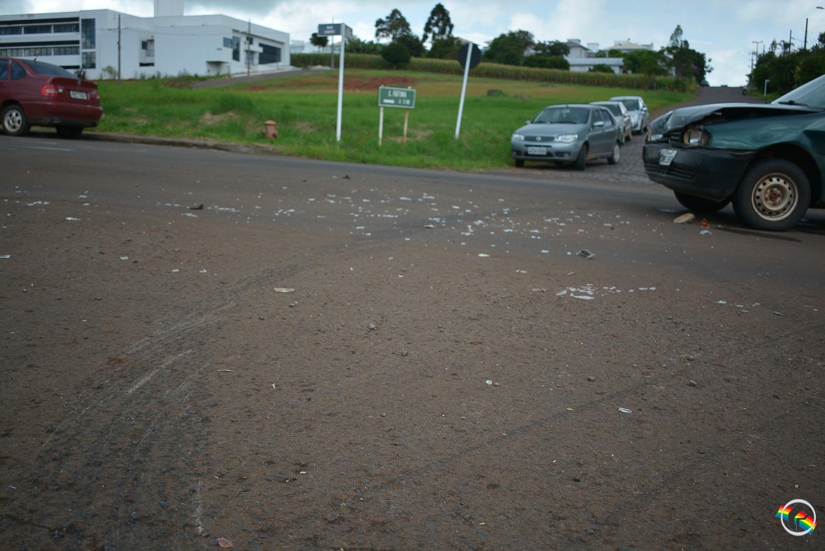 Colisão entre dois veículos é registrada em São Miguel do Oeste