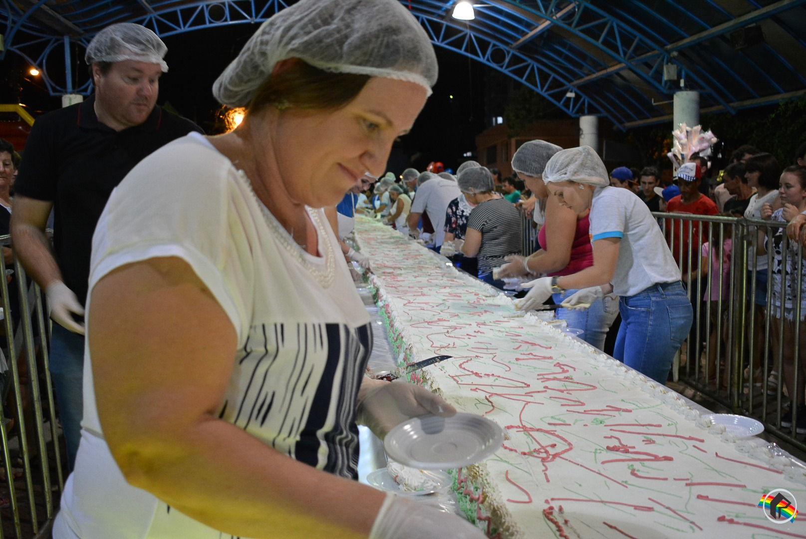 Corte do bolo marca comemorações do aniversário do município