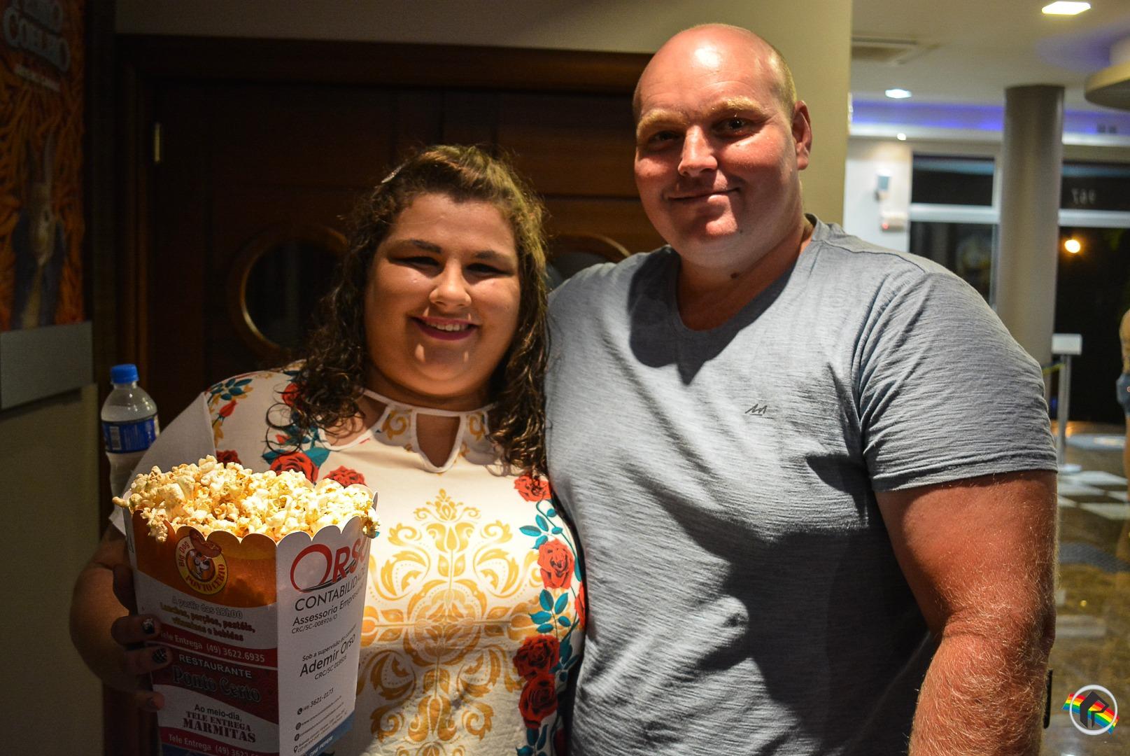 Confira como foi a estreia de Jumanji no Cine Peperi