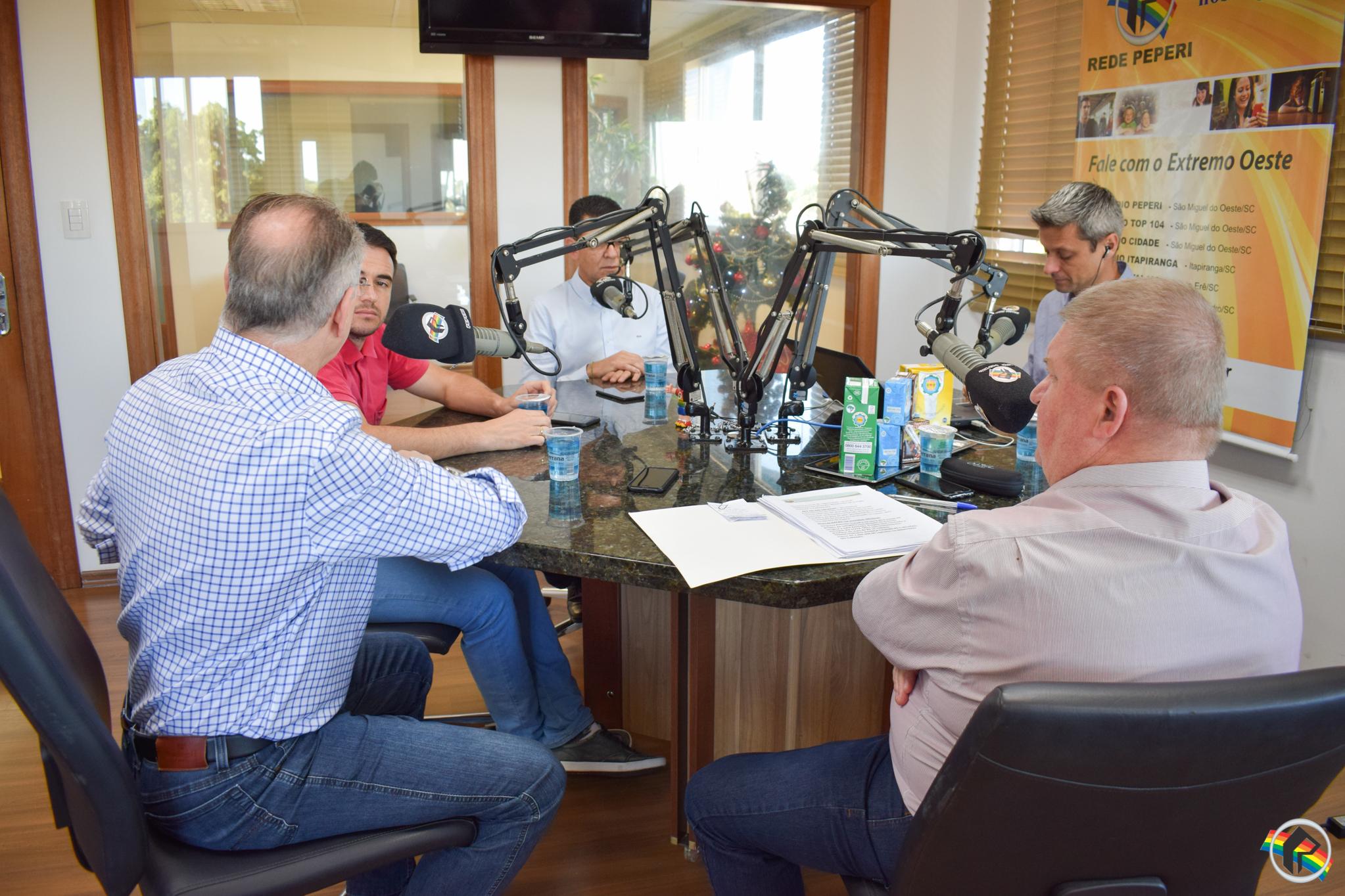 VÍDEO: Peperi Debates recebe prefeitos da região e avalia 2018