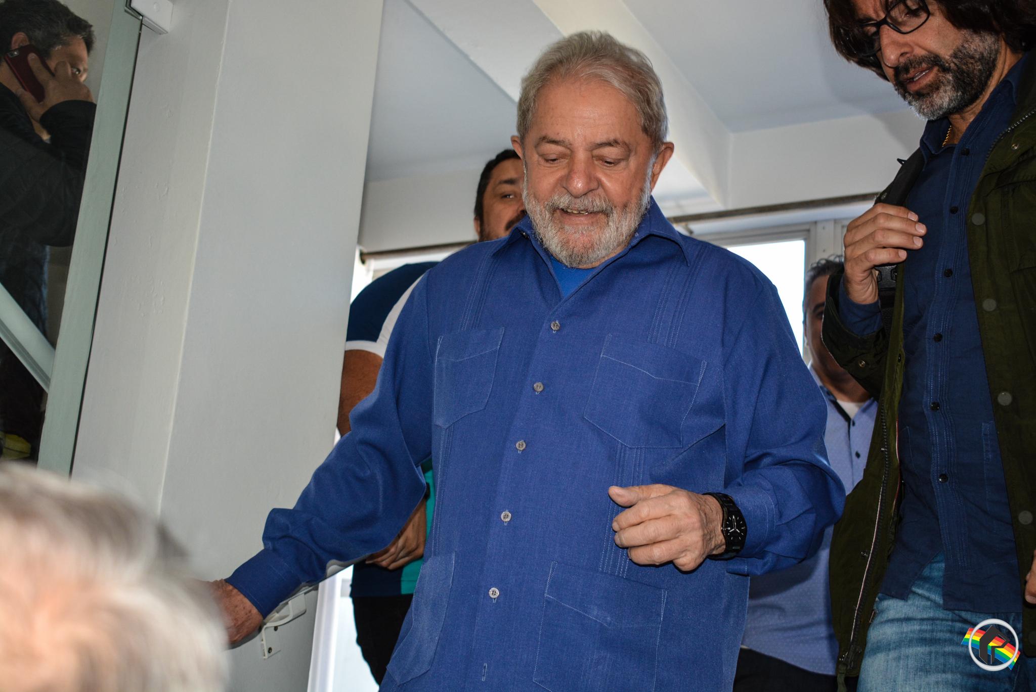 Desembargador mantém soltura de Lula apesar de decisão de Moro