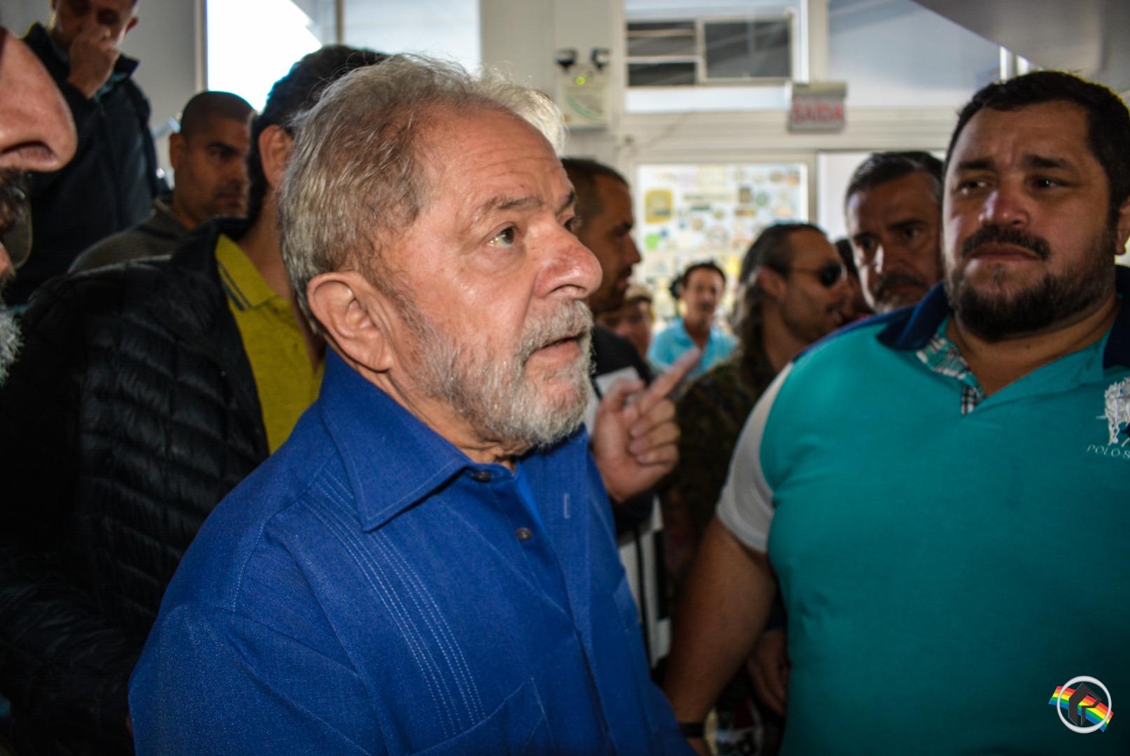 TRF-4 manda soltar ex-presidente Lula