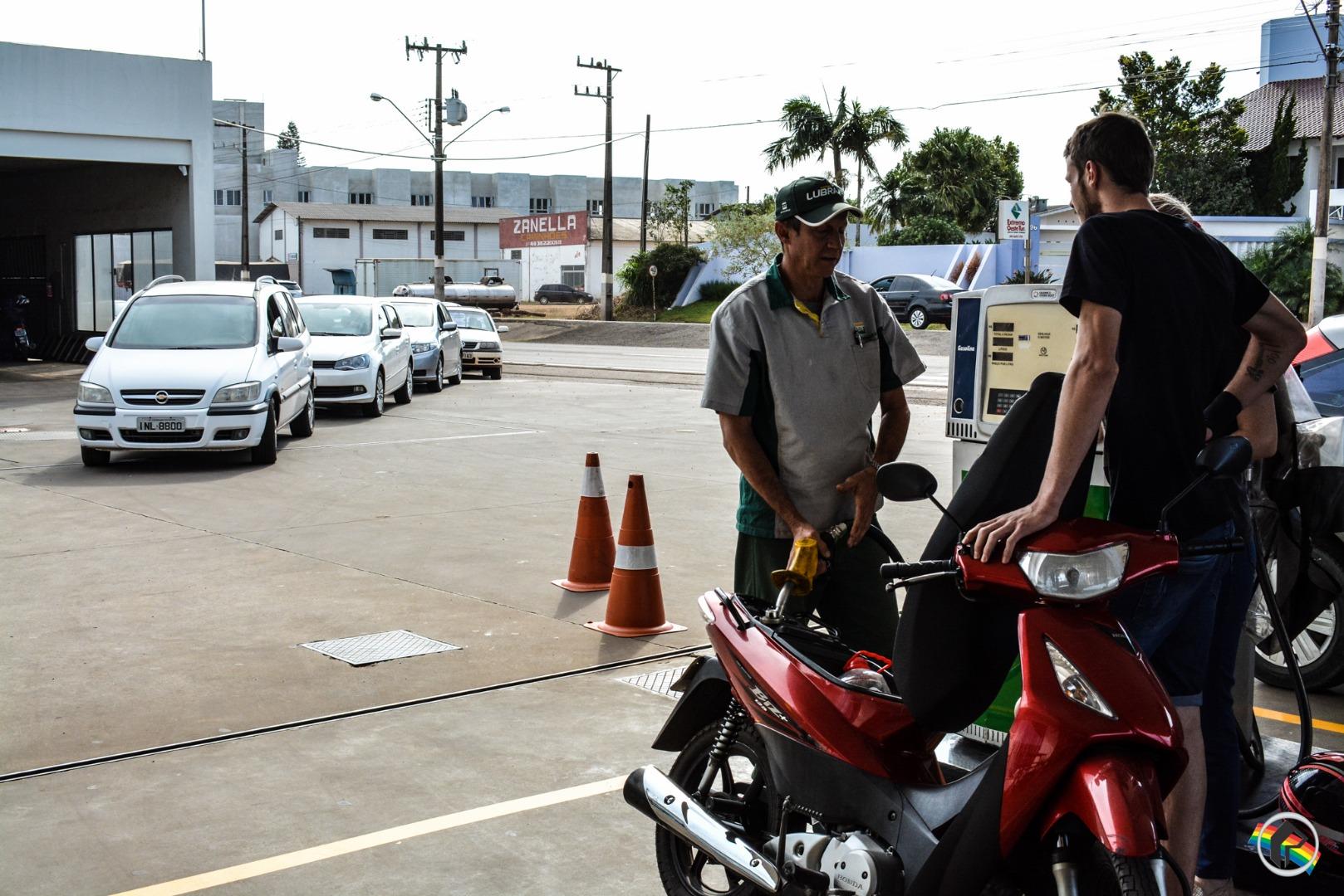 VÍDEO: Dois postos têm gasolina em São Miguel do Oeste