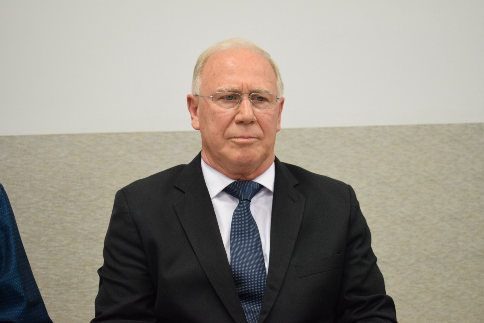Ex-prefeito João Carlos Valar recebe título de Cidadão Honorário