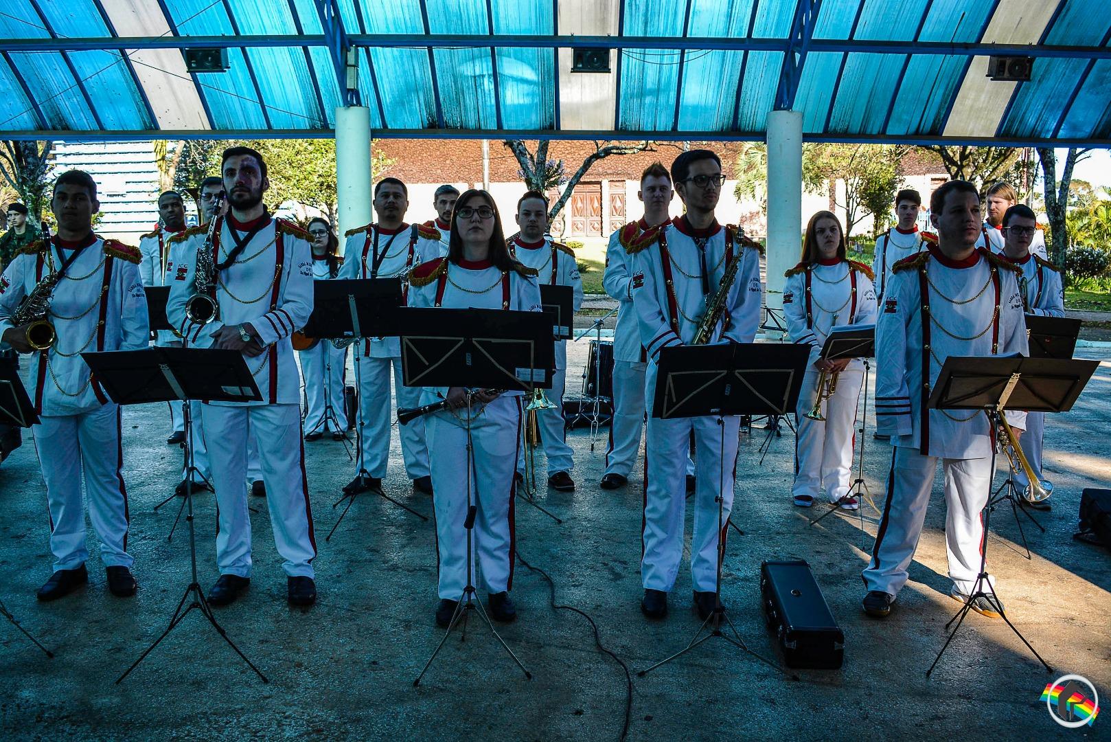 Desfile Cívico é realizado em São Miguel do Oeste