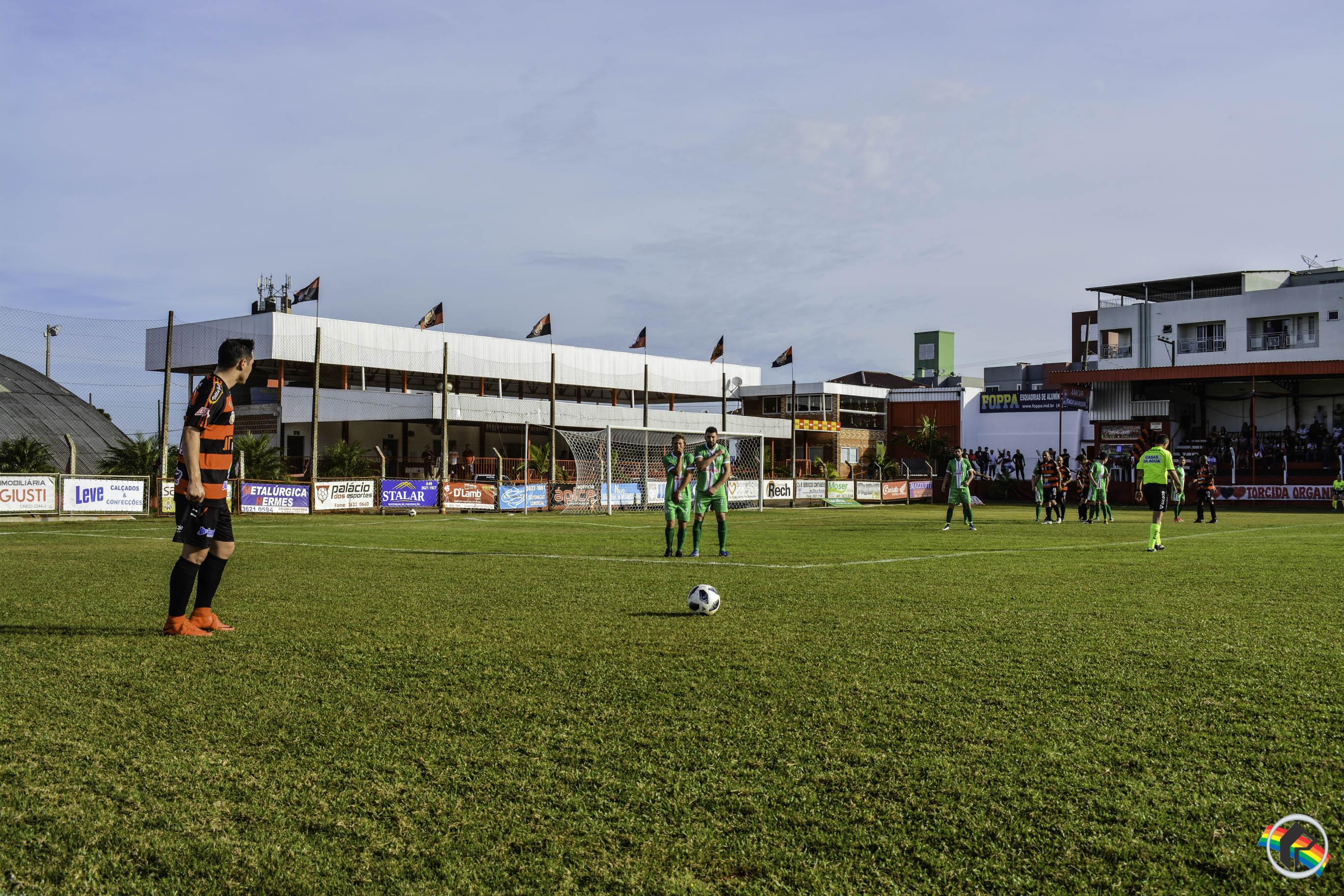Domingo de decisões na Copa Oeste de Futebol Amador