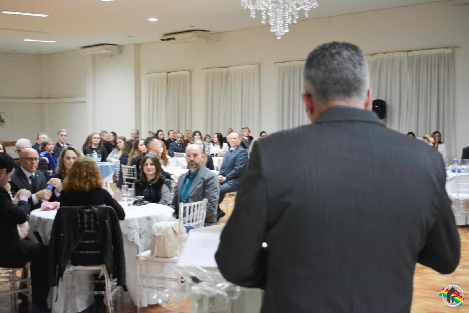 Roberto Mileski assume presidência do Rotary Club São Miguel do Oeste