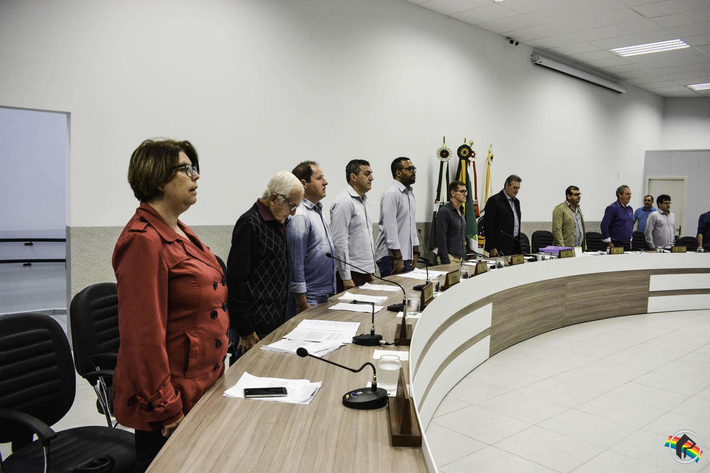 Vereadores aprovam contas do exercício 2016 de ex-prefeito João Valar