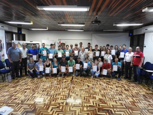 Jovens rurais concluem curso em São Miguel do Oeste