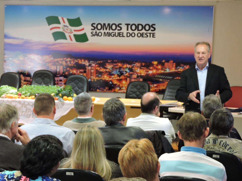 Município lança programa de incentivo à produção de hortifrúti