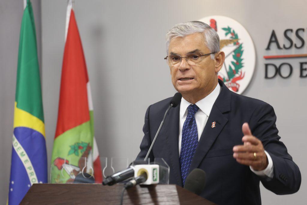 Governador decreta emergência no sistema prisional de Santa Catarina