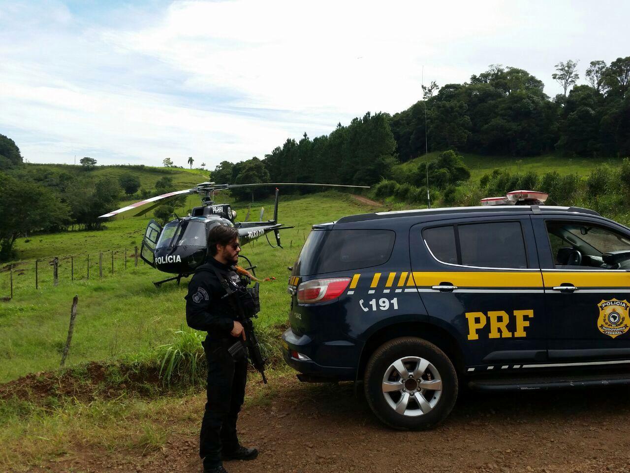Operação conjunta PRF e Polícia Civil apreende caminhão com 200 mil maços de cigarros em Guaraciaba
