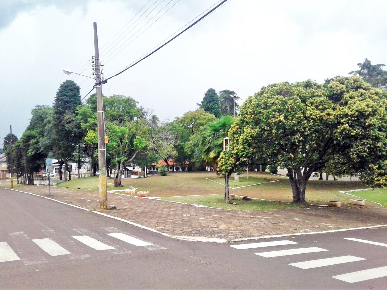 Prefeitura conquista recursos para revitalizar praça abandonada no centro de Dionísio Cerqueira