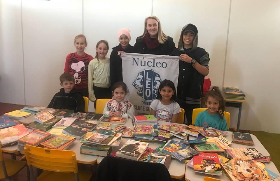 LEO Clube Guaraciaba realiza a entrega de mais de 150 livros