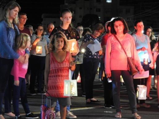 Caminhada das Lanternas é realizada em SMOeste