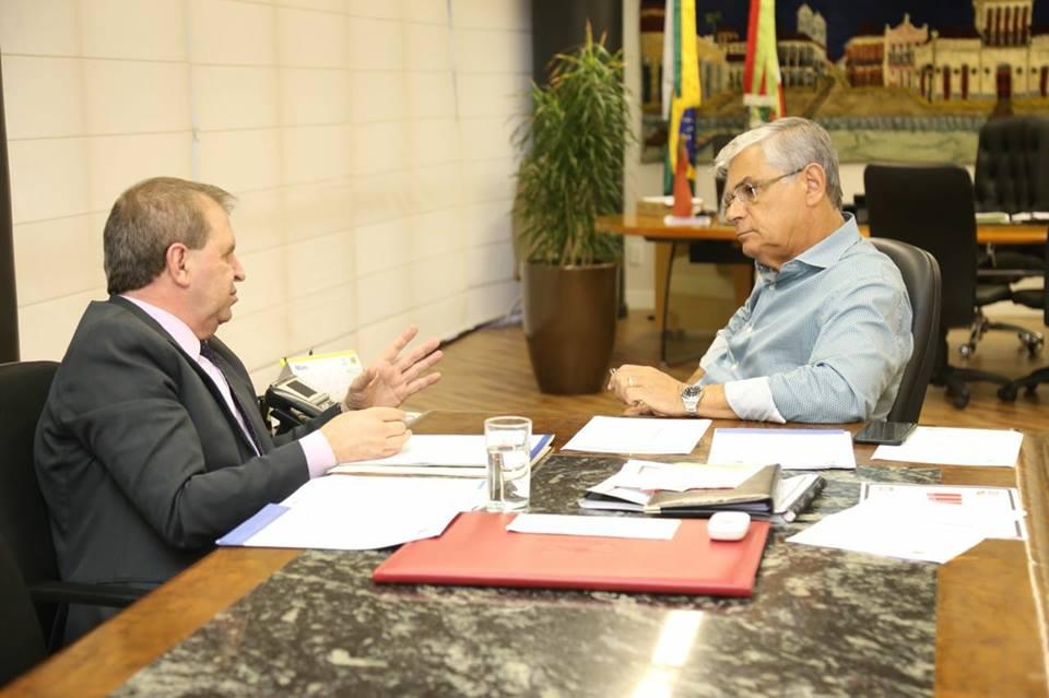 Governador confirma a Eskudlark inauguração da Oncologia no município