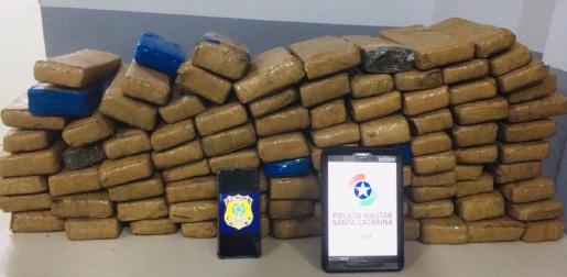 PM apreende mais de 50 quilos de maconha em Chapecó