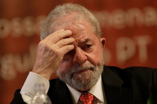 Moro põe Lula no banco dos réus mais uma vez, agora pelo sítio de Atibaia