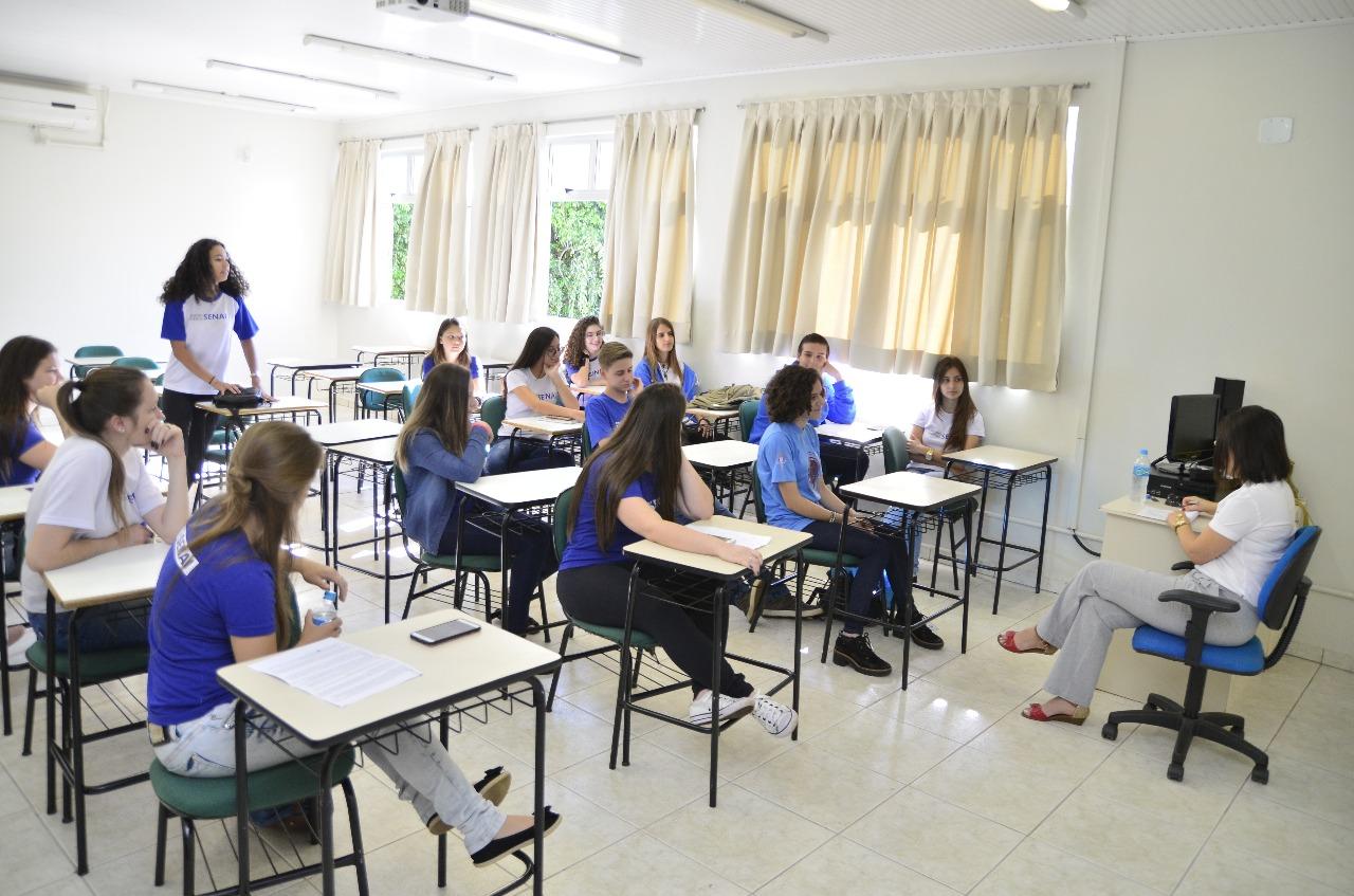 Dia da Família na Escola discute futuro dos alunos