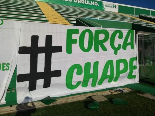 Familiares das vítimas do acidente da Chapecoense pedem apoio de Bolsonaro