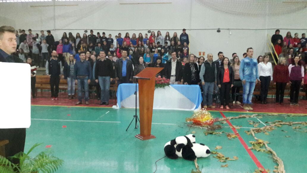Escola de Guarujá do Sul realiza a 10ª Festa do Livro