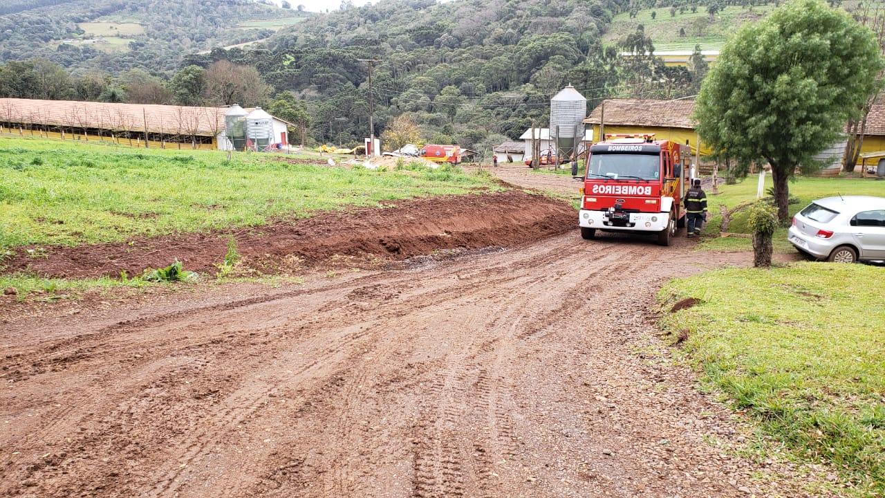 Agricultor de 52 anos morre em acidente com trator