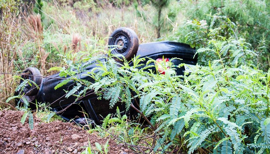Motorista perde controle e capota carro em Dionísio Cerqueira
