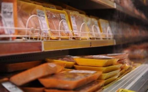 China descarta restrições para importação após caso de Covid-19 em carne de frango de SC