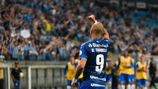VÍDEO: Grêmio toma susto do CSA, mas vence e ingressa no G-4
