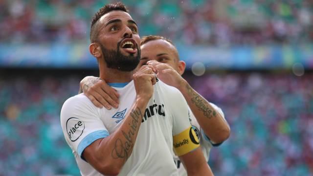 Grêmio vence Bahia e ocupa a terceira colocação do Brasileirão