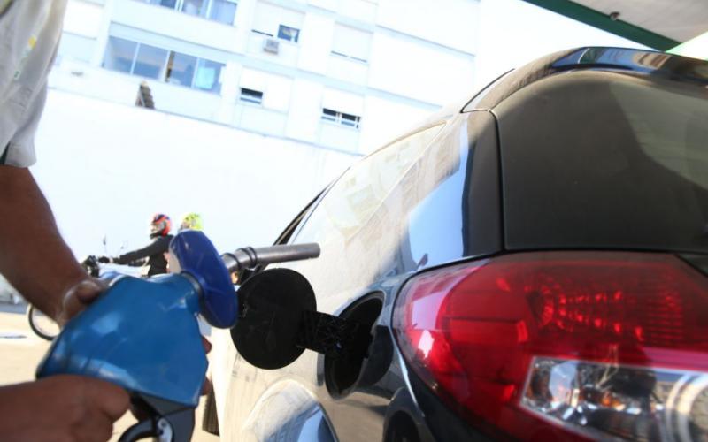 Santa Catarina tem gasolina, diesel e GNV mais baratos do país