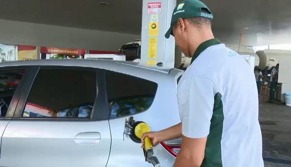 Preço da gasolina volta subir pela 13ª vez consecutiva