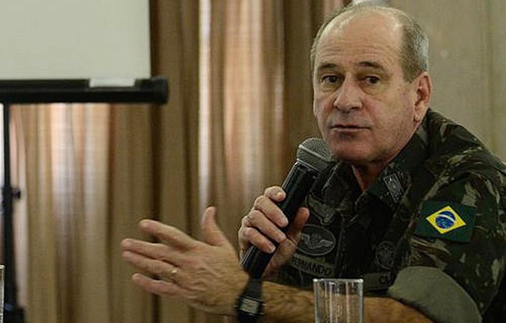 Bolsonaro anuncia general Fernando Azevedo e Silva para ministro da Defesa