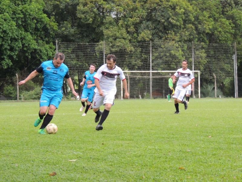 Campeonato Veterano e Máster inicia com média de 3,5 gols por partida