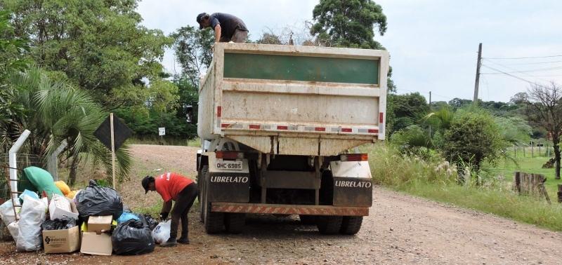 Município inicia coleta de materiais recicláveis no interior